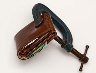 wallet-vice-spending-lockdown-credit-freeze